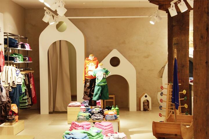 FINKID儿童服装概念店更衣室设计